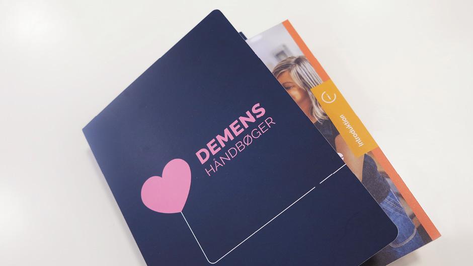 Design til demenshåndbøger for Sundhedsstyrelsen